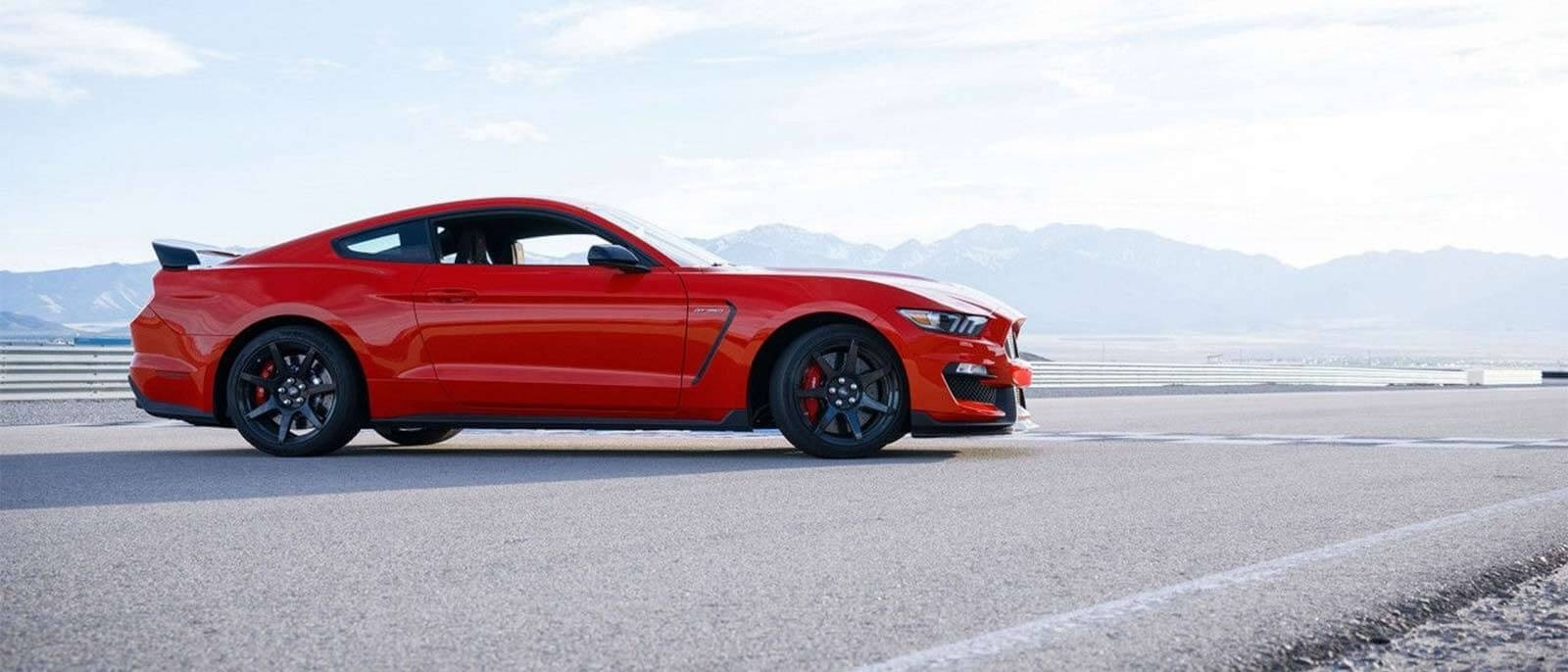 2017 Ford Mustang Shelby GT350R Race Red