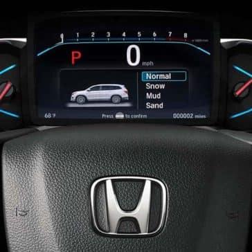 2019 Honda Pilot steering wheel detail