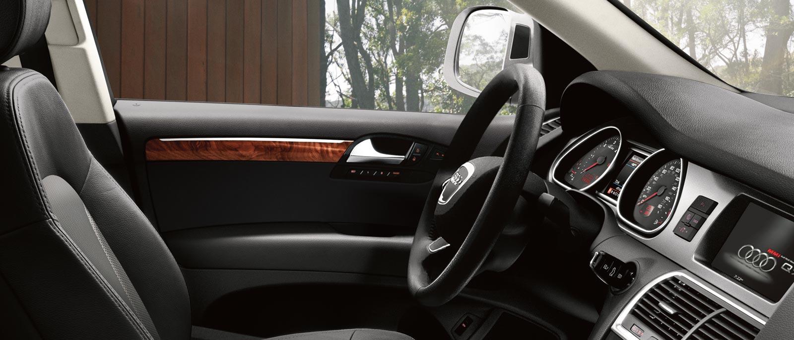 2015 Audi Q7 interior