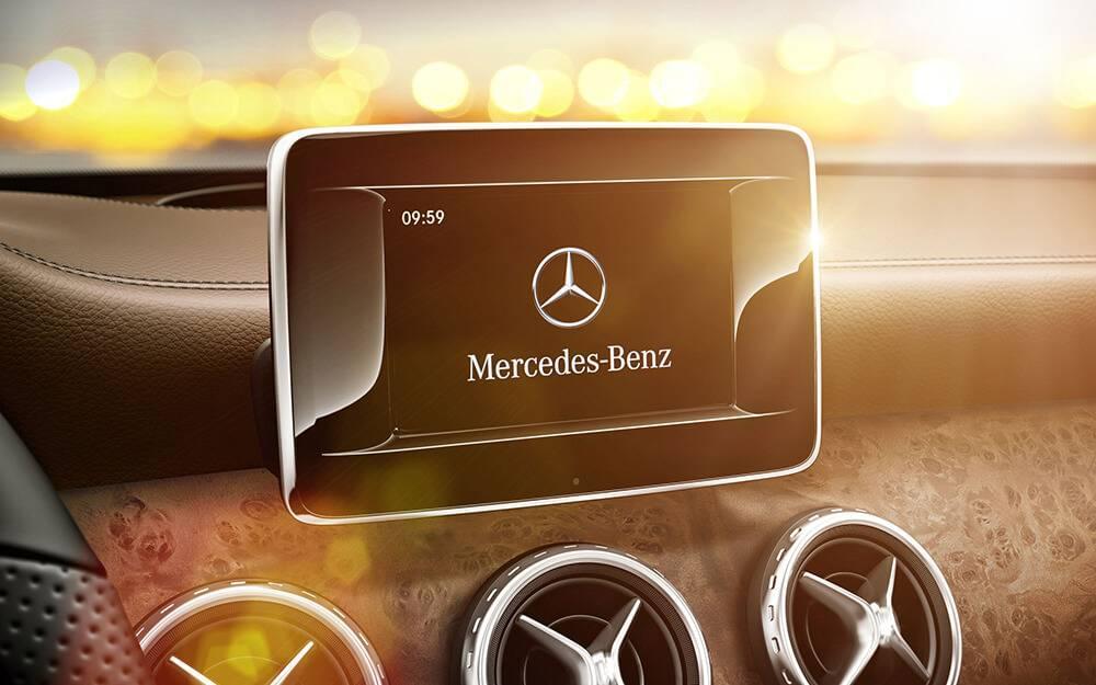 2017 MB GLA250 Touchscreen