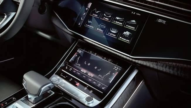 tech in 2019 Audi Q8