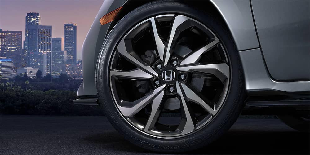 2019 Honda Civic HB Tires