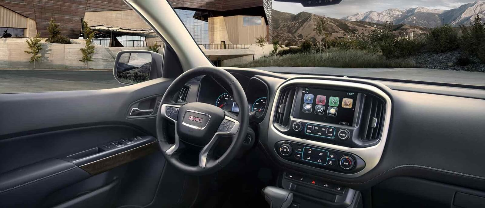 2017 GMC Canyon front interior