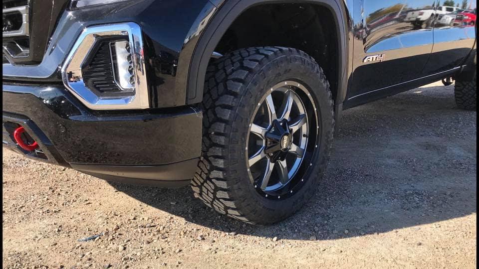 2019 Custom GMC Sierra AT4 with Mometal Wheels