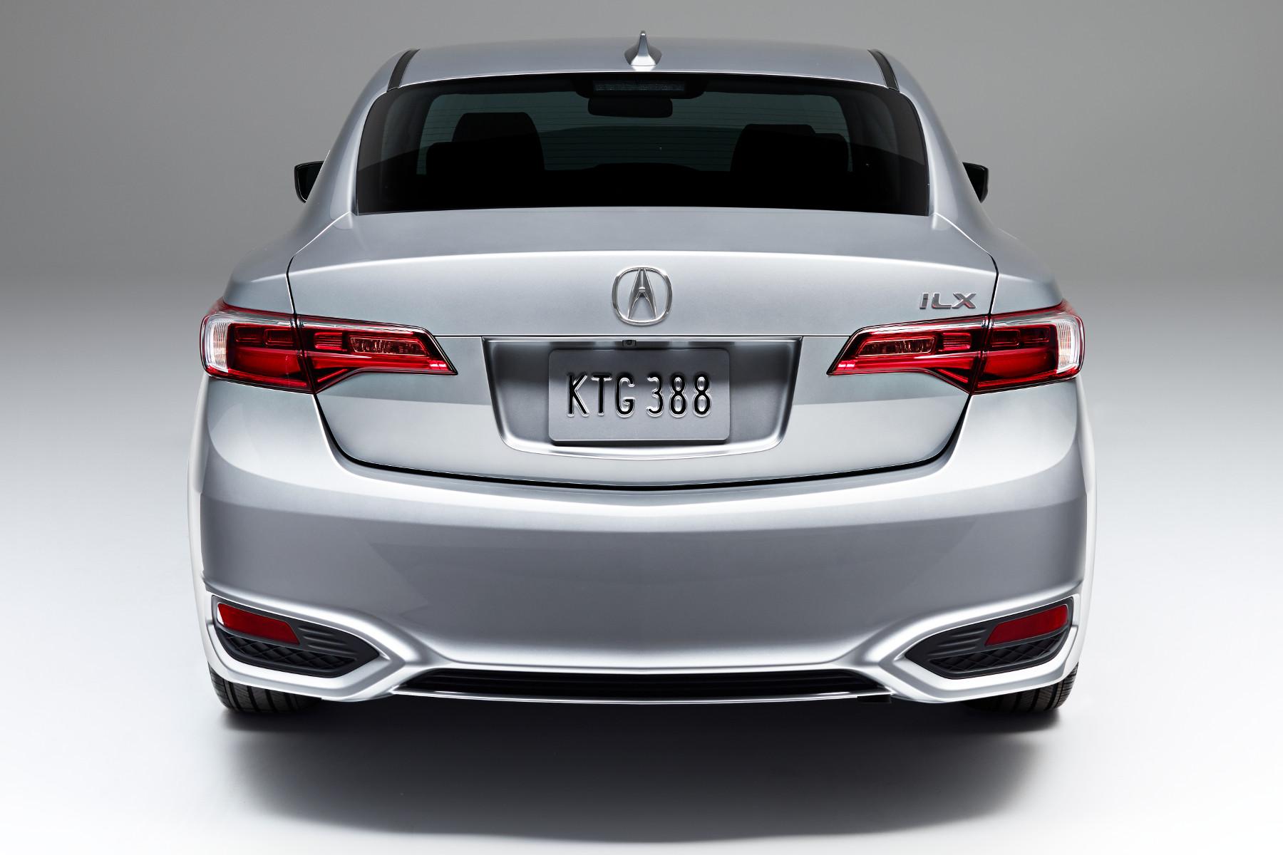 2016 ILX rear exterior