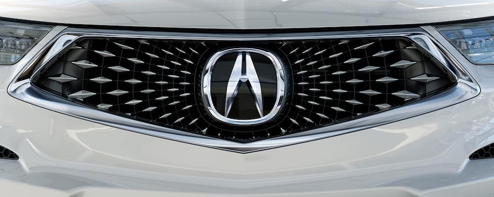 Close on diamond grille of 2021 Acura RDX